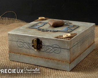 Shabby Wooden Heart Box