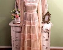 70s Lace Wedding Dress, Vintage Hippie Wedding Dress, Small, Bohemian Dress, 1970s Dress, Gunne Sax Dress, Boho Chic, Long Layer Cream Dress