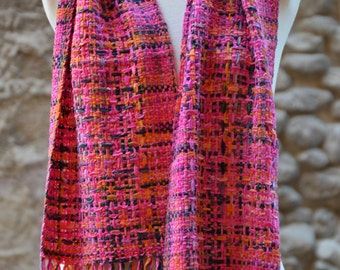 Cotton and silk scarf loom
