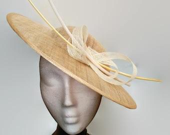 Beige sunhat, beige lampshade hat, beige wedding hat, white derby hat beige, kate middleton hat, beige fascinator, beige and white hat, race