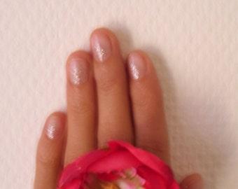 1 * + . FUNKY flower ring. + *