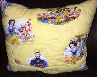 Princess snow quilted pillow