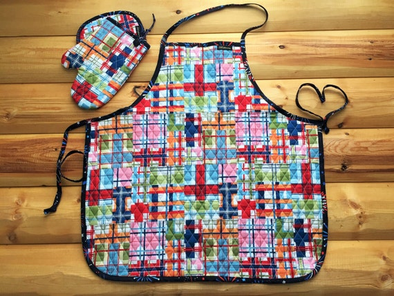 Unique quilted kitchen set apron oven mitten and pot by for Quilted kitchen set