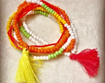 Lot of 6 bracelets, multi-colored beads with PomPoms yellow and pink