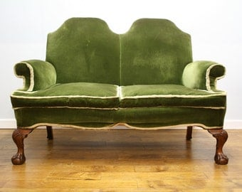 Quality Queen Ann style 1920's sofa