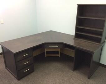 Office desk and detachable desktop book case