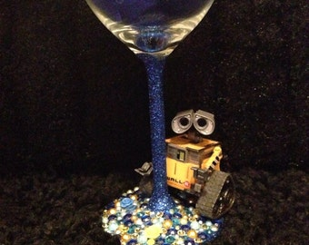Wall e figure glass