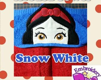 """Personalised Hood Towels """"SNOW WITE"""""""