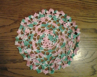 "9"" Beautiful Vintage Pink & Green Verigated Ruffle Edge Doily Excellent Vintage Condition"