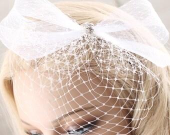 white bow hairpiece, hair bow, wedding hair accessories, wedding headpiece, white hair bow, wedding hair bow, birdcage hair comb