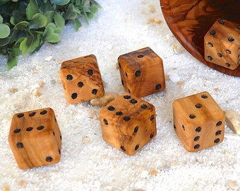 6 dices made of olive wood