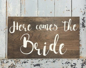 Here comes the bride sign | wedding sign | handmade sign | wooden sign | wedding decor | ceremony decor | bride | groom | marriage |