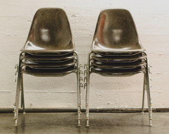 Herman Miller Eames Fiberglass Shell Chairs (Elephant Grey)