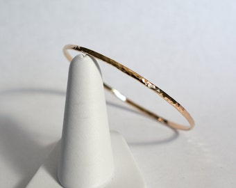 14kt Yellow Gold Hammered Bangle .081 Stock