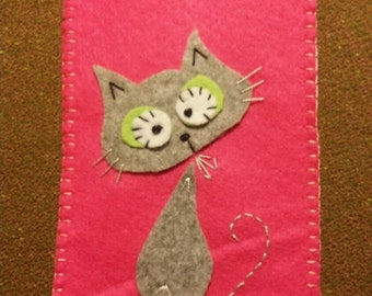 Cell phone pouch with female kitten