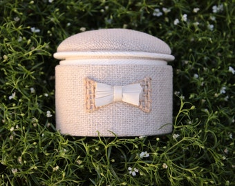 Round wedding ring box, silk and burlap double layer bow, ring bearer, engagement ring lidded box, linnen rustic box.