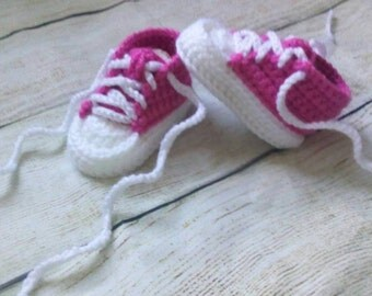 Pink Baby tennis shoes.  Crochet converse.  Baby shower gift.