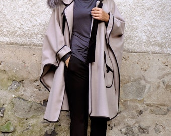 Light beige pouder cape/100% Wool cashmere cape coat/hooded cape/Fur fox hooded coat/Woman wool coat/Hooded coat/cap with pockets/C0219