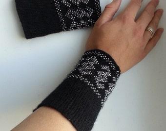 Beaded Arm Warmers,Fingerless Gloves,Wool, Made to Order, Custom, wristlets, girls women gift