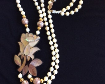 Vintage 80's Statement necklace pearly beads tropical summer