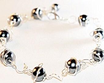 Pewter Pearl Swirl link Bracelet ~~~~~~ Item ID: M000024