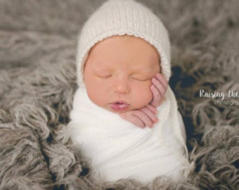 Classic Newborn Bonnet.Knit Bonnet.Photo prop.Baby gift.Neutral colors bonnet.Ready to ship