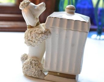 1950s spaghetti poodle cigarette holder / white lefton spaghetti poodle holder