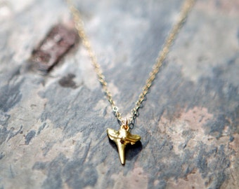 SENA Shark Tooth Necklace in Vermeil Gold