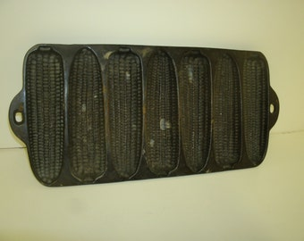 Antique Cast Iron Cornbread Ear of Corn-Patterned Mold
