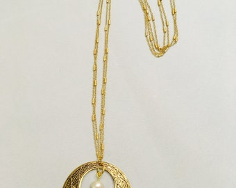 Circle Pendant and Freshwater Pearl Necklace