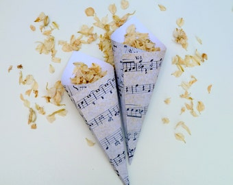 10 vintage music sheet confetti cones