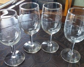 Four Vintage Stemmed Glasses Etched Design/Wine Glass/Barware/Goblet/White Wine Glass/Goblet/Alcohol Glass/Entertaining