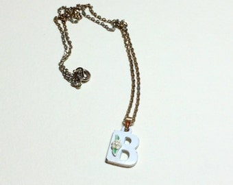 Very sweet vintage letter B initial pendant, letter B necklace, initial B necklace, white with pink tiny flower, 1970s