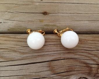 Vendome White Plastic Bead Earrings 0562