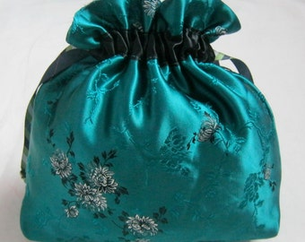 Silk drawstring pouch, green,  hand made bag, bridal bag, bridesmaids bag, wedding gift, women's gift, wedding bag