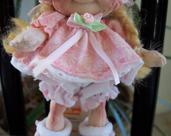Dinky Baby Pattern 027 - Sassy - 4-5 inch doll - PDF Pattern - Instant Download