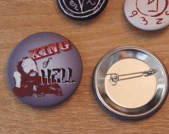 """Badge / Pin """"KING OF HELL"""" - Supernatural / S P N / Crowley / Mark Sheppard"""