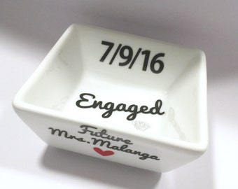 Customized Engaged Gift, Engagement Gift, Personalized Ring Dish, Ring Dish, Future Mrs Gift, Bride to be Gift, Valentine's Day Gift
