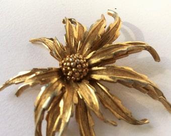 Vintage Boucher wild flower gold vintage Antique jewels, jewels, brooche signed jewels