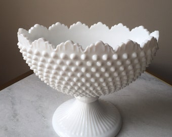 Beutiful 1950's Fenton White Hobnail Oval Footed Bowl.