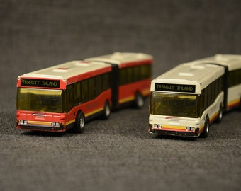 Vinage Toy set of 2 New York Los Angeles Articulated Bus Diecast David Bus Transit Inland Toy Collection DDC Action Cars City Transport