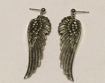 Silver Earrings // Wings // Antique silver // Drop