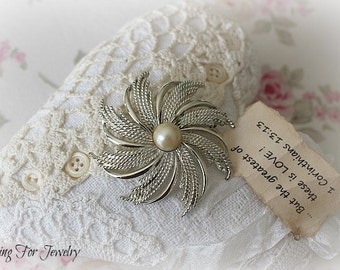 "Vintage Sarah Coventry ""Silvery Starburst"" Pin Brooch"