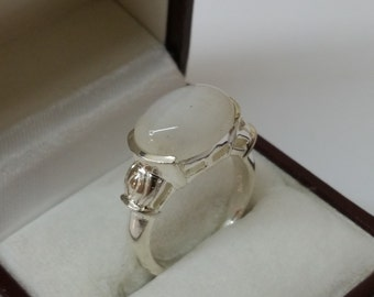 925 Silver ring with Moonstone 17.9 mm / size 7.5 SR485