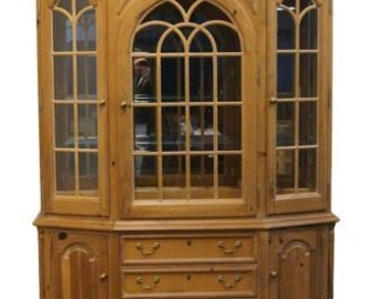 THOMASVILLE FURNITURE 65″ Replicas 1800 Lighted China Cabinet 16921-431
