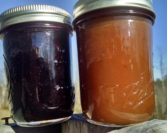Maine jam combo, Blueberry Jam, Apple Jam, Maine Blueberries, Maine Apples, All Maine Fruit. 2 half pints.