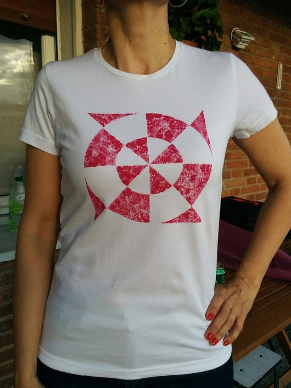 Diana t-shirt. T-shirt women's fitted cut, short-sleeved and organic cotton hand painted