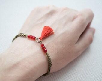 Tassel bracelet // Pompon bracelet // Handmade tassel // Brass beaded bracelet // Glass beads jewellery // Handmade by LeFouillisDeMarie