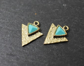 P0230/Anti-Tarnished Gold Plating Over Brass/Turquoise Triangle Pendant/15x12mm/2pcs