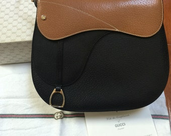 Gucci bag/lovely extremely rare shoulder bag by Gucci